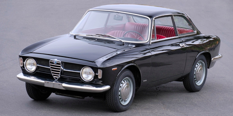 Land vehicle, Vehicle, Car, Classic car, Alfa romeo 105 series coupes, Regularity rally, Coupé, Sedan, Alfa romeo, Alfa romeo sprint,