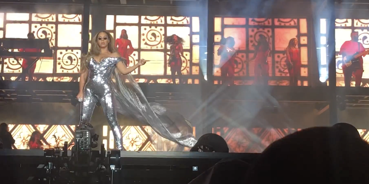 Beyonc Just Debuted An Epic Disco Ball Jumpsuit On Stage
