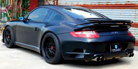 Land vehicle, Vehicle, Car, Supercar, Motor vehicle, Bumper, Sports car, Rim, Automotive design, Performance car,