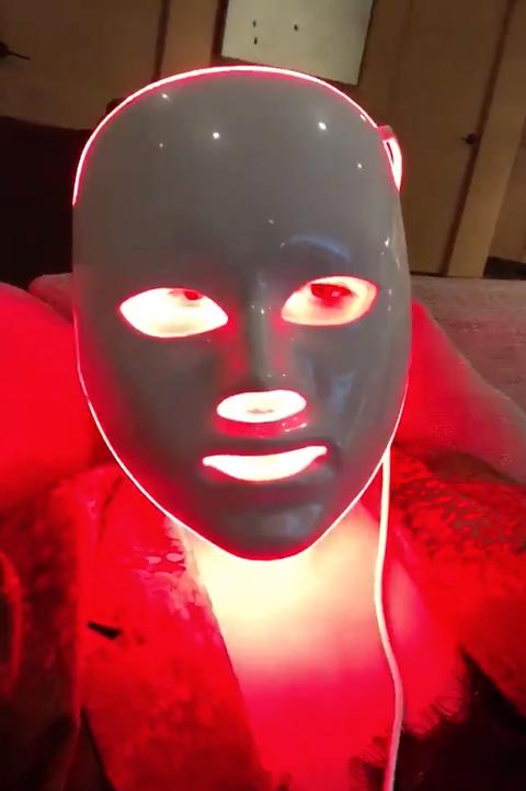chrissy teigen light therapy mask
