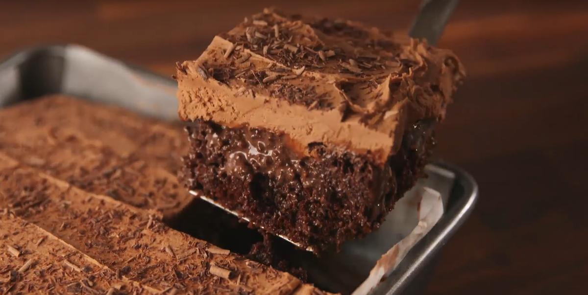 Best Baileys Poke Cake Recipe How To Make Baileys Poke Cake