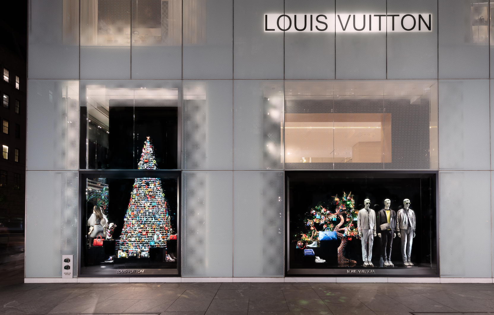 Christmas Window.The Best Christmas Windows In Nyc Holiday Window Displays