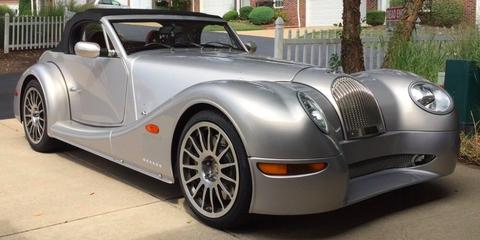 Land vehicle, Vehicle, Car, Motor vehicle, Coupé, Morgan aero 8, Sports car, Automotive design, Sedan, Automotive wheel system,