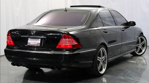 Land vehicle, Vehicle, Car, Alloy wheel, Luxury vehicle, Automotive design, Rim, Sedan, Mercedes-benz, Spoke,