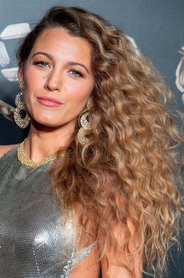 19 Easy Curly Hairstyles How To Style Long Medium Or Short Curly