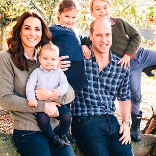 There's a Special Detail in Prince William and Kate Middleton's Christmas Photo You Probably Missed