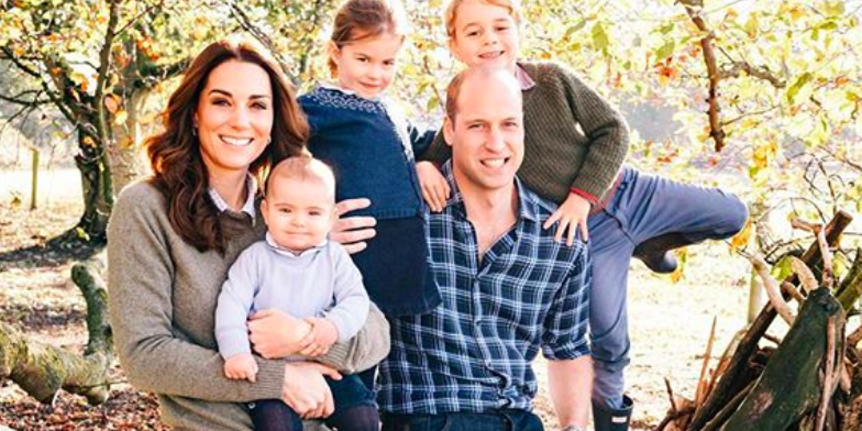 Everyone Missed This Touching Detail in the Royal Family's Christmas Photo