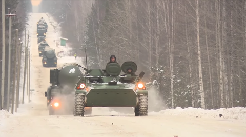 Snow, Winter storm, Vehicle, Blizzard, Winter, Combat vehicle, Freezing, Armored car,