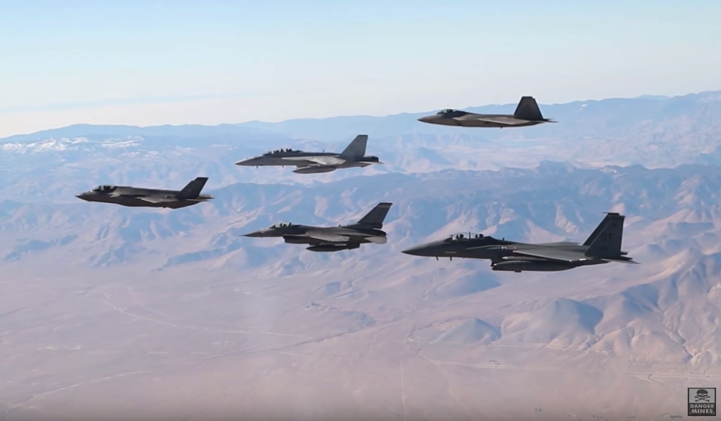 Watch US Air Force – F-16s and F-35s Fly in Formation