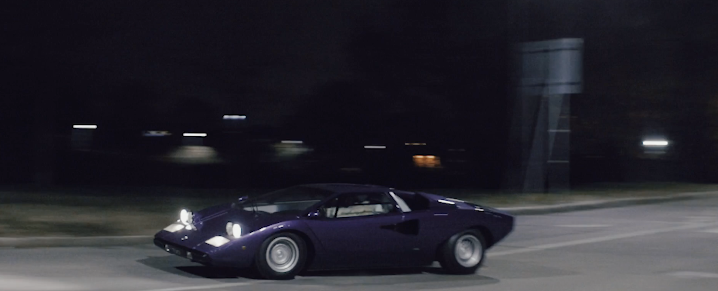 Your New Favorite Heist Movie Features A Lamborghini Countach In