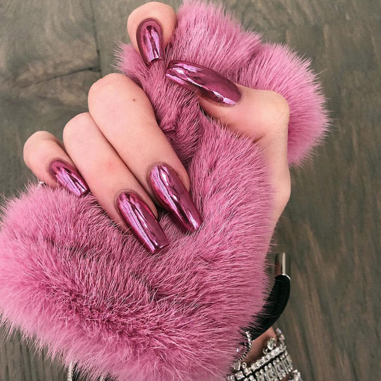 kylie jenner pink chrome metallic nails