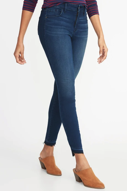 e05fa50264ad Old Navy s Built-In Warm Jeans Are Essential for Winter