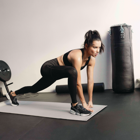 Exercise equipment, Fitness professional, Physical fitness, Arm, Leg, Shoulder, Human leg, Joint, Thigh, Exercise,