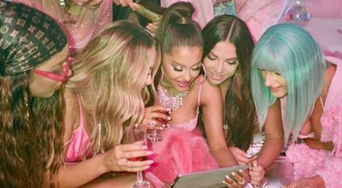 7fa4fd4cf Who Is in Ariana Grande's '7 Rings' Video - Ariana Grande's Best Friends