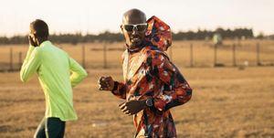 What does Sir Mo Farah wear when training?