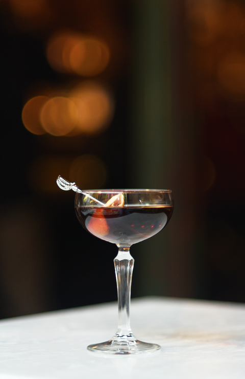 Drink, Classic cocktail, Champagne stemware, Martini glass, Alcoholic beverage, Stemware, Distilled beverage, Wine glass, Wine cocktail, Alcohol,
