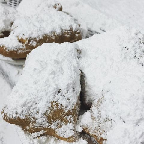 Powdered sugar, Snow, Beignet, Food, Winter, Ricciarelli, Freezing, Kourabiedes, Dessert, Cuisine,