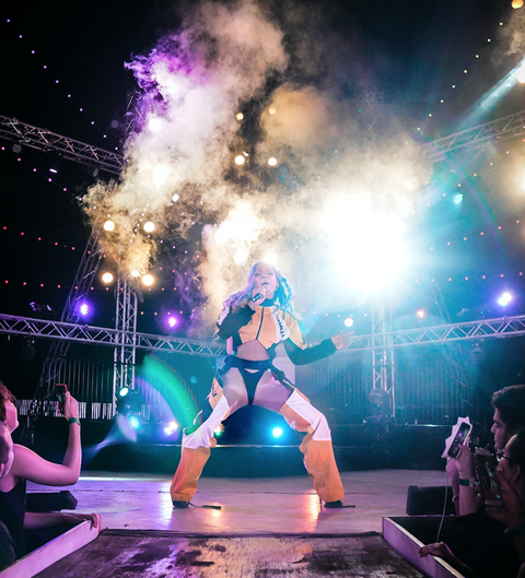 Performance, Entertainment, Stage, Purple, Light, Performance art, Performing arts, Pink, Event, Sky,