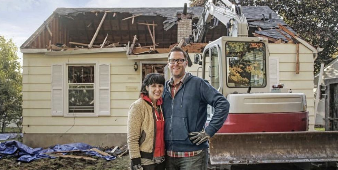 Hgtv S New Series Stay Or Sell Premieres Late Summer 2019