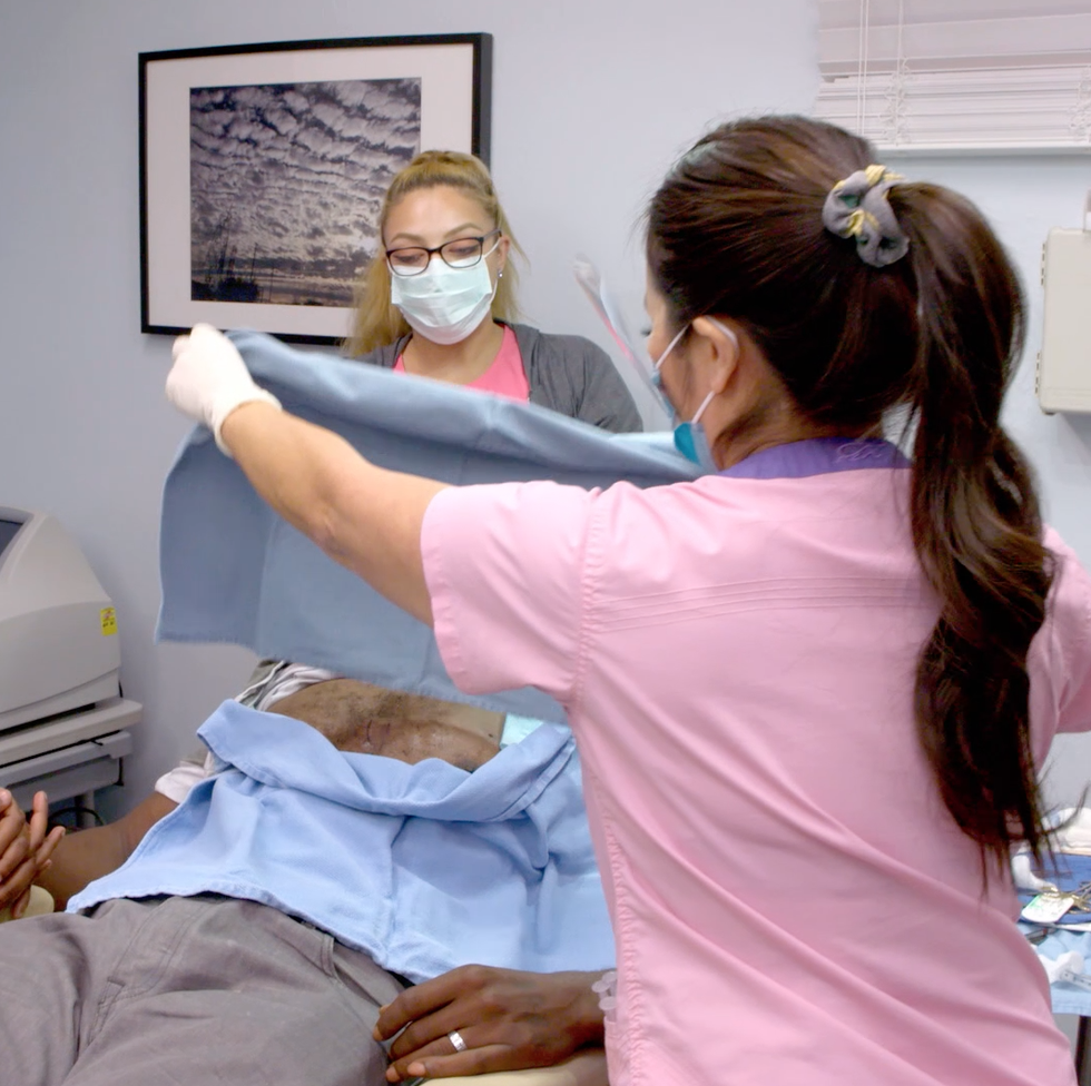 Watch Dr  Pimple Popper Extract Cysts in this Exclusive Clip - TLC
