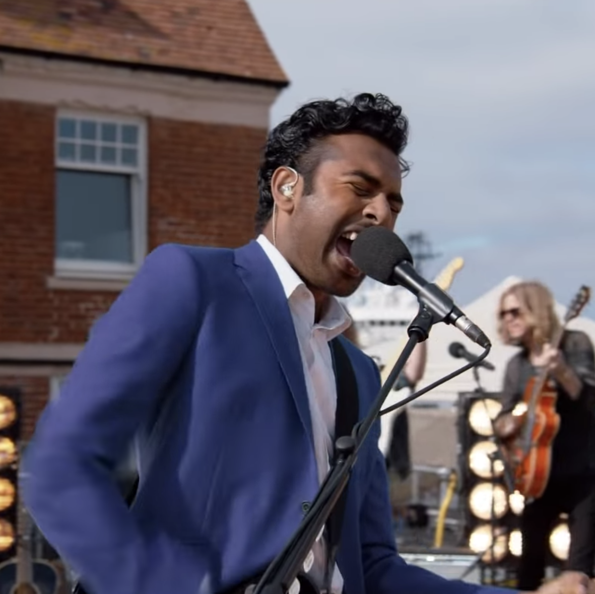 The Yesterday Trailer Imagines a World Without The Beatles