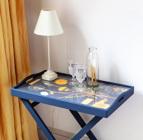 How to découpage a table