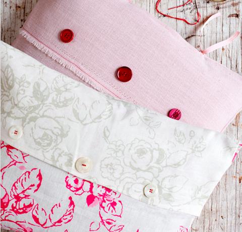 how to make a floral envelope cushion cover. Black Bedroom Furniture Sets. Home Design Ideas
