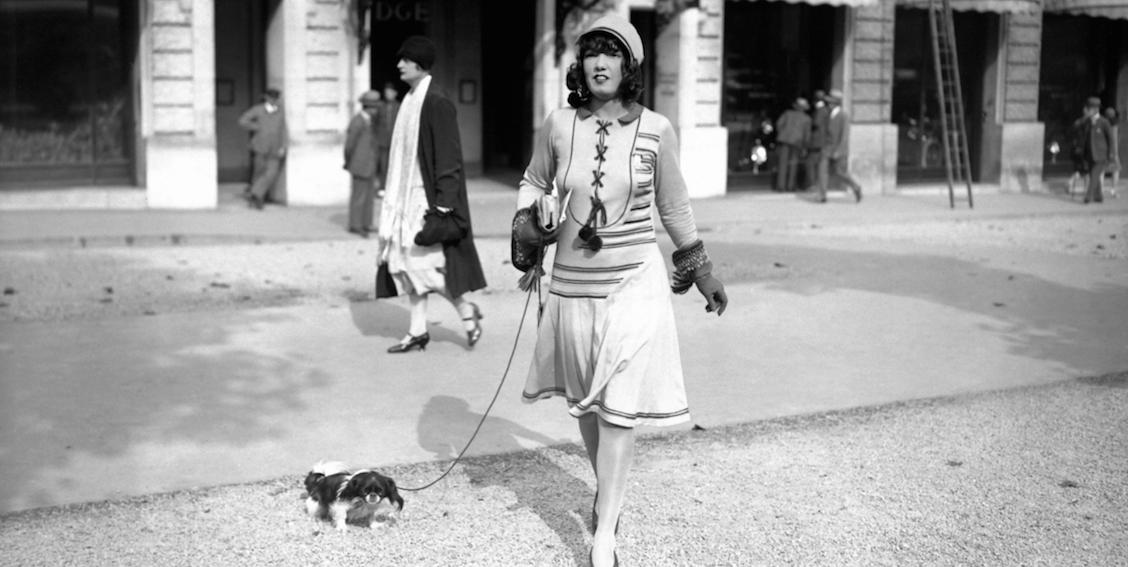 Chic Vintage Dog Walking Photos