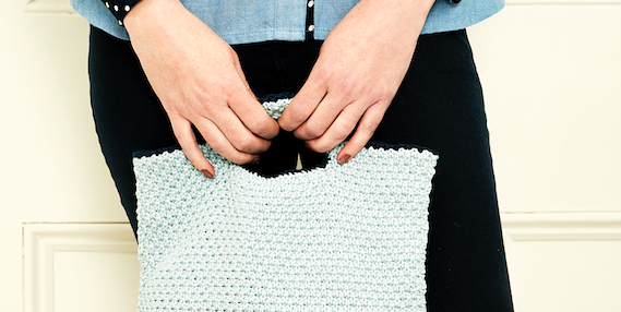 Knitted bag – How to knit a small bag that's perfect for spring