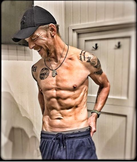 Simon Pegg Is Looking Ripped for His New Role