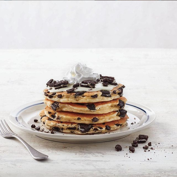 Dish, Food, Pancake, Ingredient, Cuisine, Breakfast, Dessert, Chocolate chip, Meal, Sour cream,