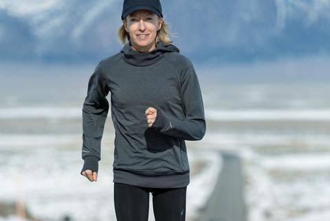 Deena Kastor running in Mammoth Lakes, California