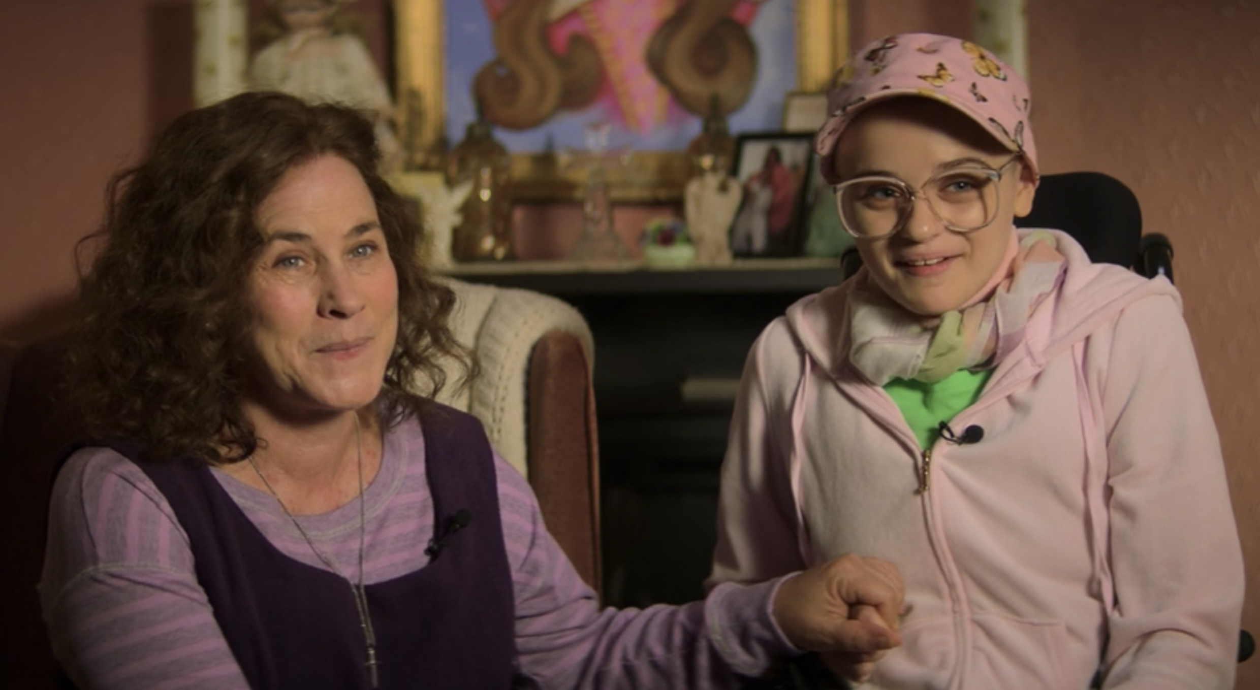 The Wildest True Moment from the First Episode of Joey King's 'The Act'