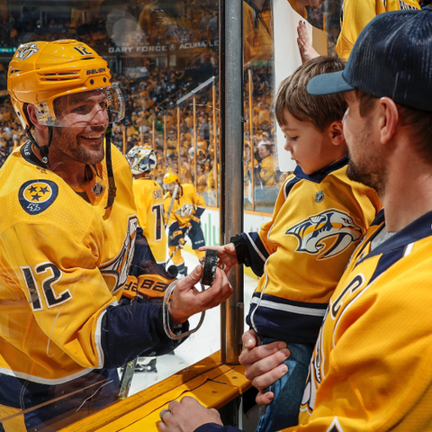 carrie underwood mike fisher son isaiah