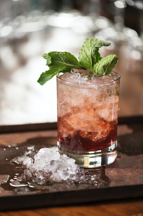 Drink, Mint julep, Mojito, Cocktail, Alcoholic beverage, Cuba libre, Pimm's, Distilled beverage, Mai tai, Non-alcoholic beverage,
