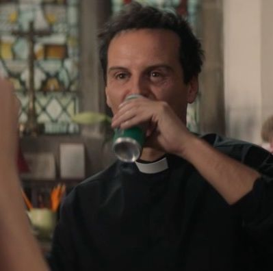 Fleabag gin and tonic cans