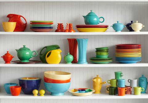 Shelf, Orange, Yellow, Shelving, Turquoise, Serveware, Dinnerware set, Room, Tableware, Ceramic,