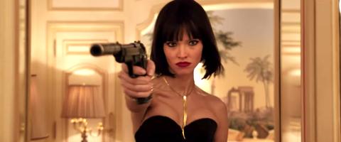 比《黑寡婦》更強悍「女殺手」!盧貝松繼《露西》之後又一部作品《安娜》首支預告釋出!