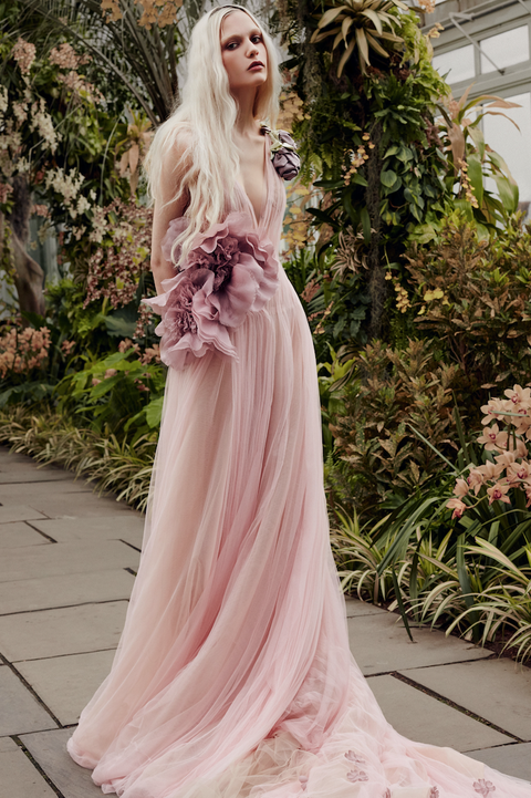 Gown, Clothing, Dress, Pink, Hair, Shoulder, Fashion, Haute couture, Fashion model, Beauty,