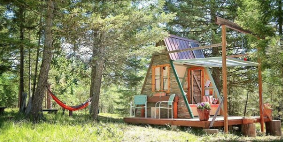 You Can Build This Tiny A-Frame Cabin in Three Weeks—and It'll Only Cost You $700