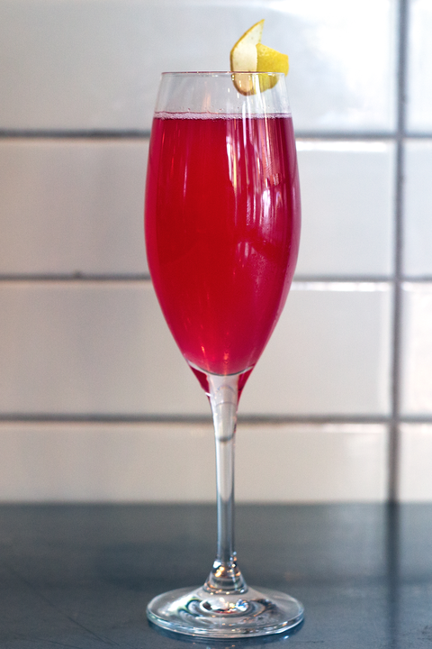 Drink, Champagne cocktail, Tinto de verano, Alcoholic beverage, Kir royale, Wine glass, Glass, Stemware, Juice, Non-alcoholic beverage,