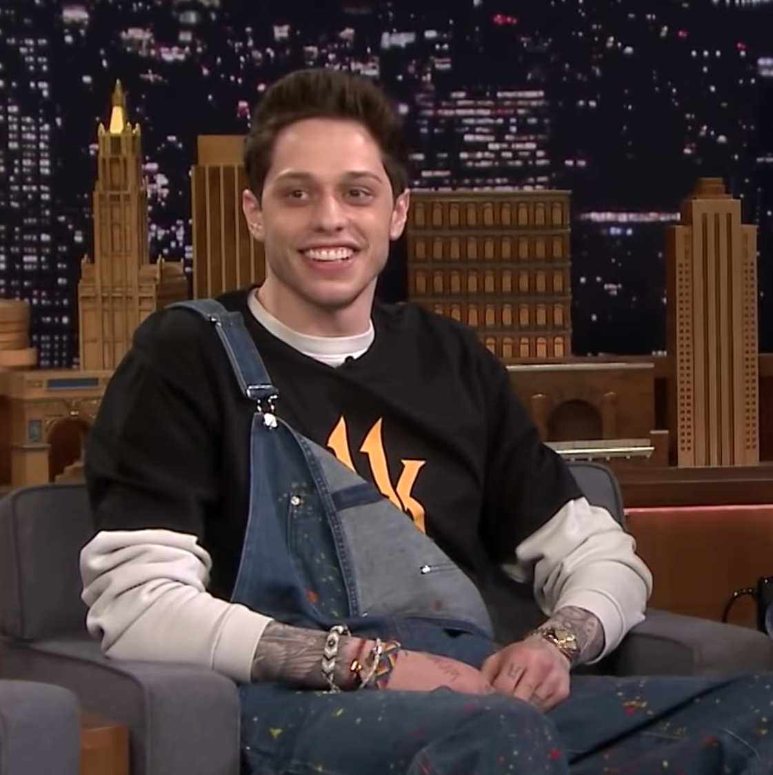 SNL's Pete Davidson Is Extremely Hornt Up for Mortal Kombat 11's Cassie Cage