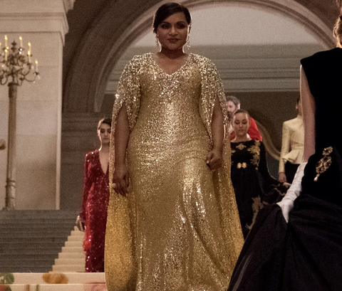 Mindy Kaling Just Went Platinum At The Met Gala Met Gala Hair Makeup 2019