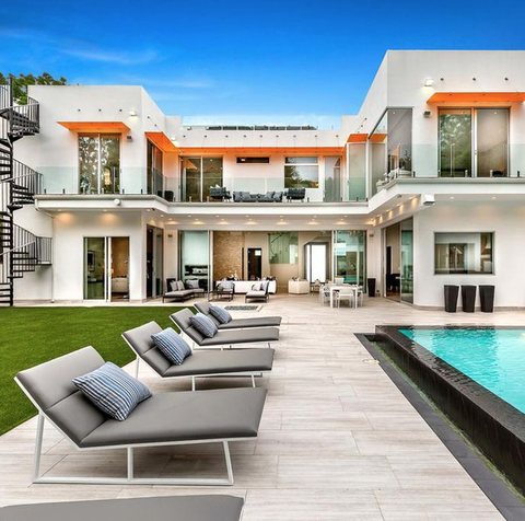Super The California Mansion Featured In La La Land Is Now On Beutiful Home Inspiration Ommitmahrainfo