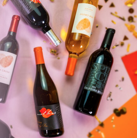 Bottle, Glass bottle, Wine bottle, Drink, Alcoholic beverage, Alcohol, Wine, Liqueur, Champagne, Dessert wine,