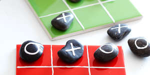 Pebble noughts and crosses