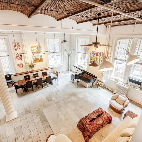 Room, Property, Interior design, Living room, Ceiling, Furniture, Building, House, Floor, Home,