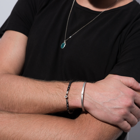 Guide To Jewelry For Men 2020 How To Wear Rings Bracelets