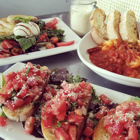 Dish, Food, Cuisine, Bruschetta, Ingredient, appetizer, Meal, Produce, Finger food, Staple food,
