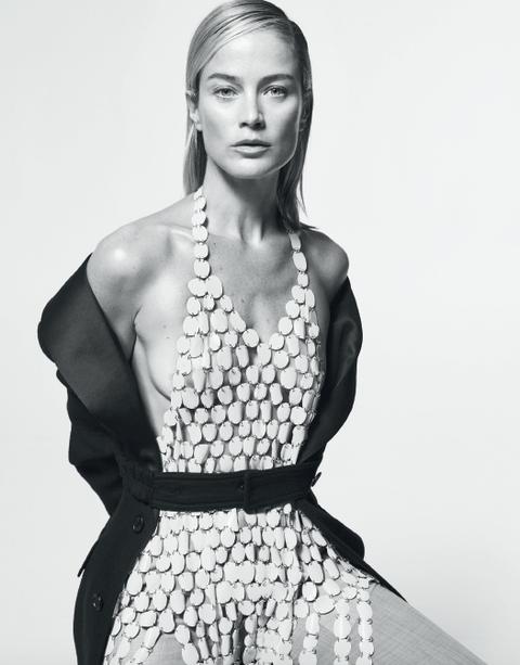 Fashion model, Clothing, Fashion, Shoulder, Beauty, Model, Photo shoot, Black-and-white, Fashion design, Dress,